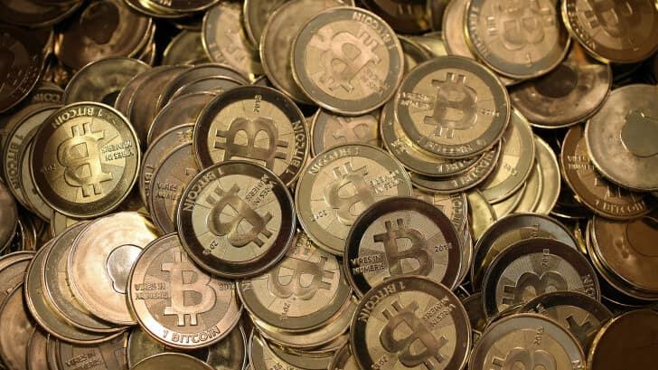количество биткоинов на данный момент