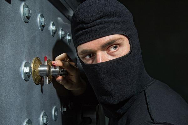 В Благоевграде воры похитили оборудования для майнинга на 7 млн рублей